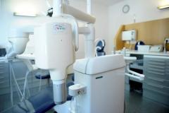 Behandlungsgerät-in-Zahnarztpraxis-Fröndenberg