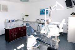 Behandlungsraum-1-in-Zahnarztpraxis-Dr.Vollmann